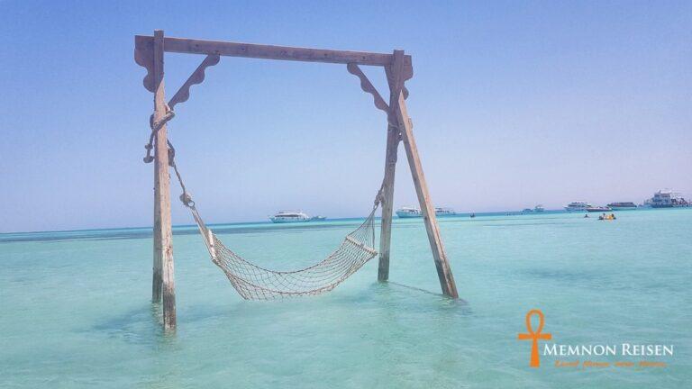 Tagesausflug mit dem Boot zur Orange Bay Insel in Hurghada - Memnon Reisen Hurghada